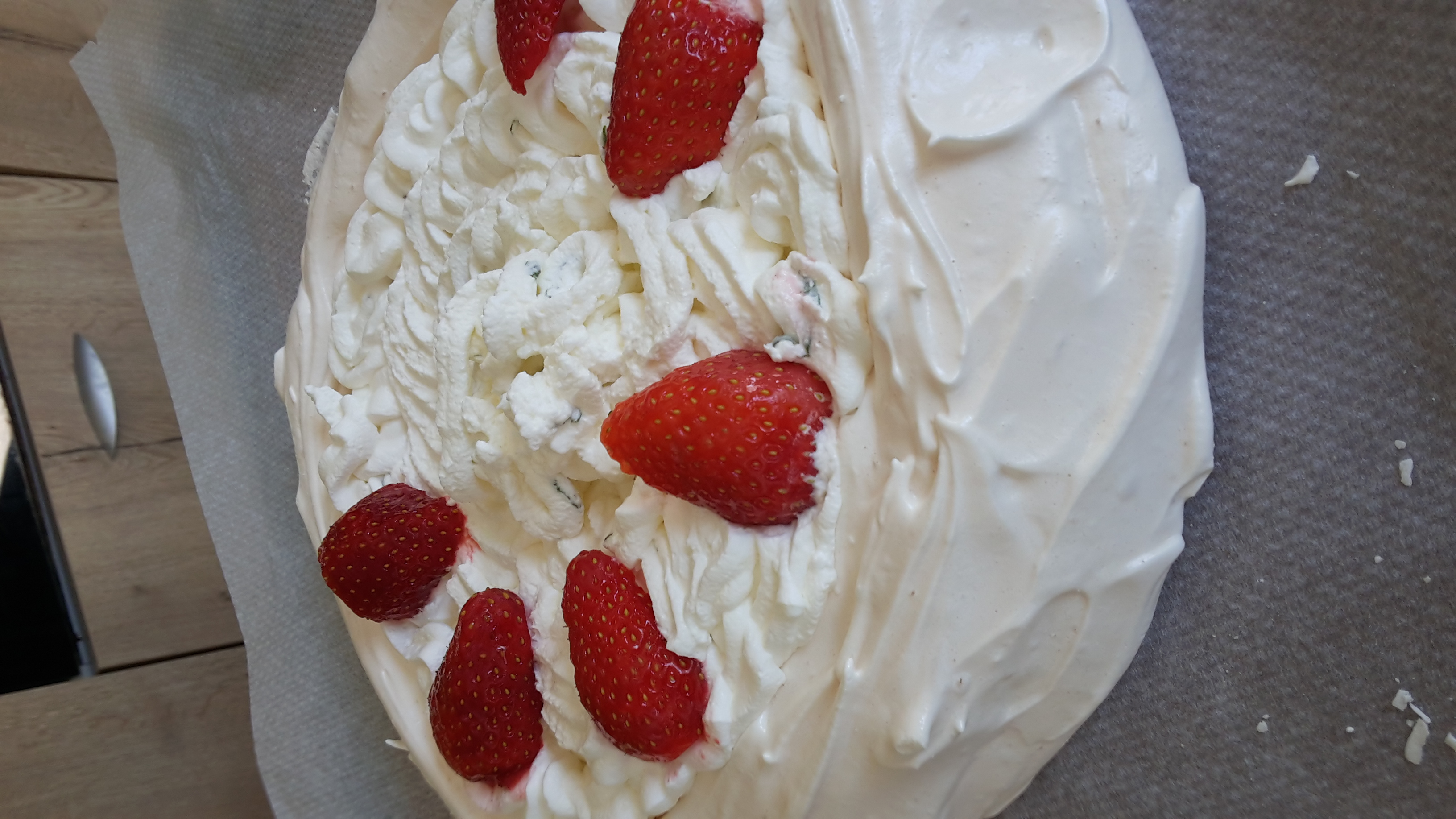 Recette pavlova fraise litchi menthe sur miam et bon for Passette cuisine